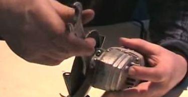 Как открутить и правильно поставить диск на болгарку
