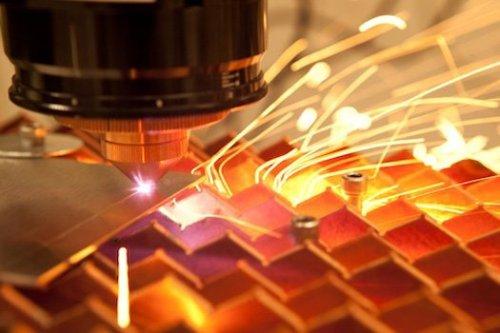 Процесс лазерной резки листового металла