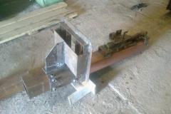 Соединение сваркой стола со стойкой